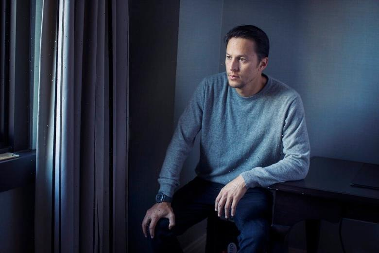 'No Time to Die' Director Cary Fukunaga on the Future of James Bond 'Outside the Corporate Sphere'