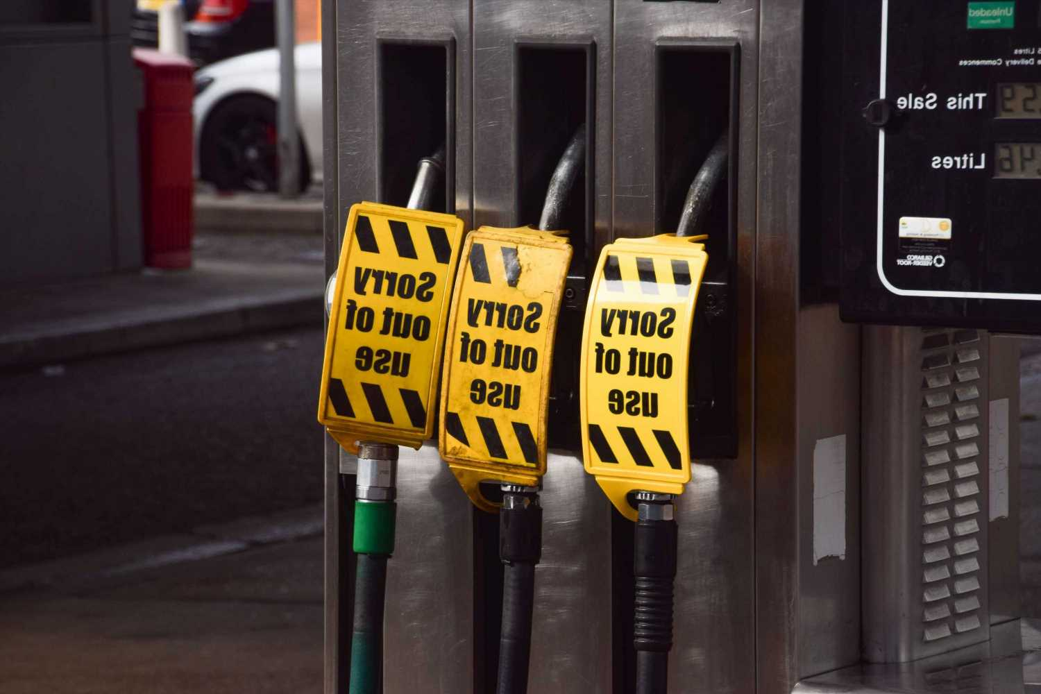 Can you store fuel at home? Drivers warned not to stockpile petrol by RAC