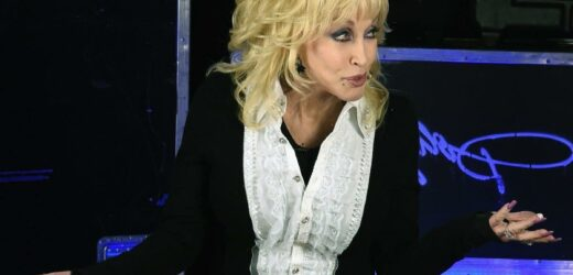 Dolly Parton Almost Caused a Car Crash When She Flashed Her Friends