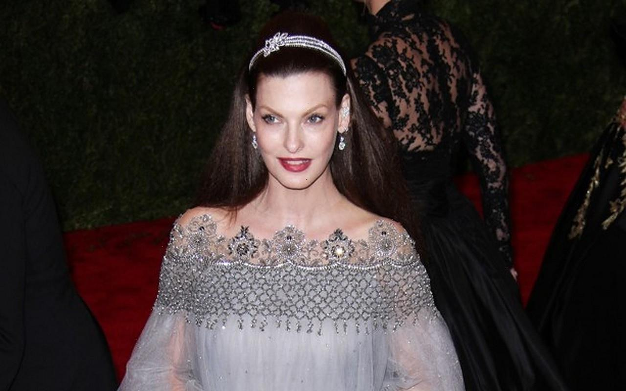Linda Evangelista Finds It Very Difficult to Move Forward Following Beloved Dogs Death