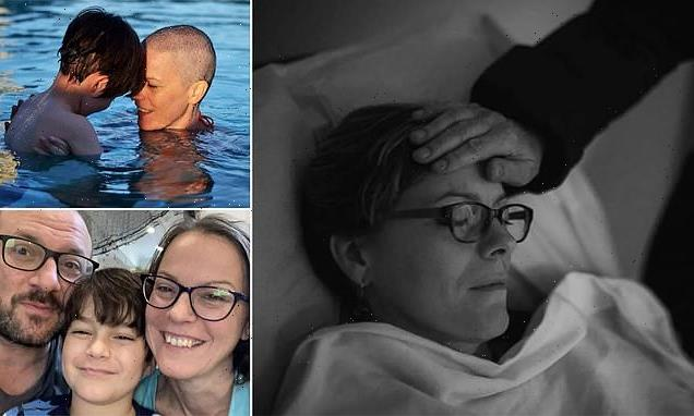 Photographer documents wife's breast cancer in heartrending images