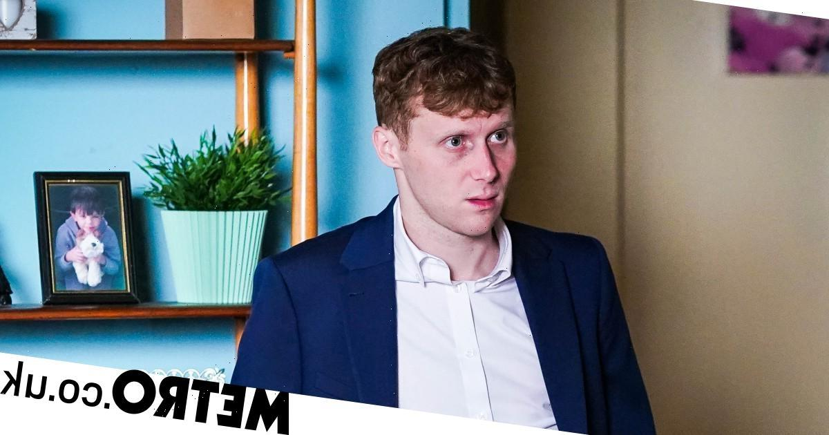 Spoilers: Jay finds out that Suki kissed Honey in EastEnders